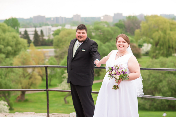 curvy brides, plus size brides, pretty pear bride