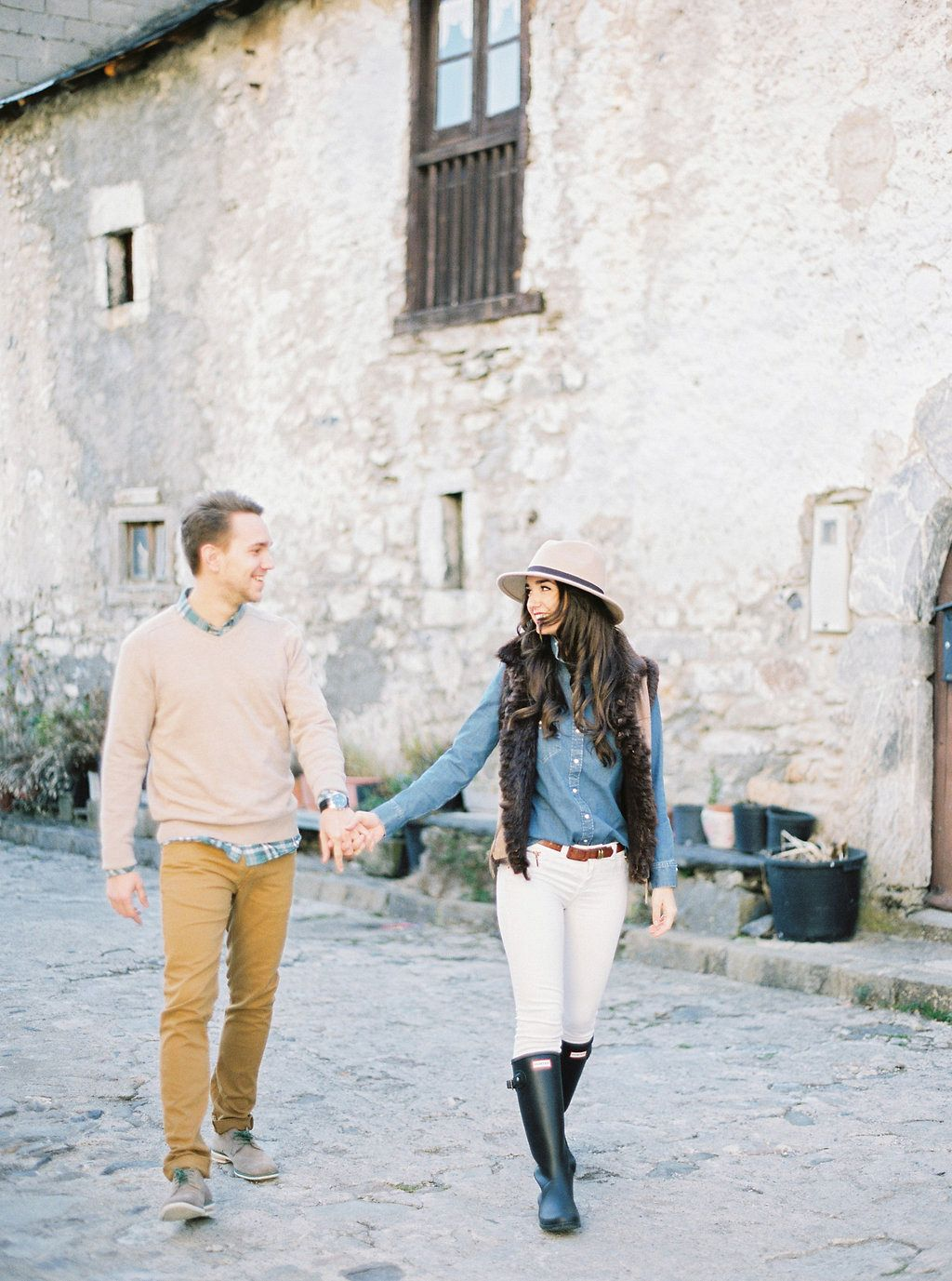 Patricia and Jose's Stylish Outdoor Engagement Session