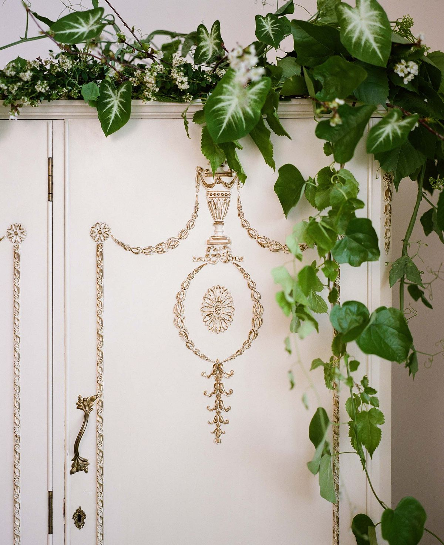 Sara Donaldson Photography - outdoor bridal session | Wedding Sparrow