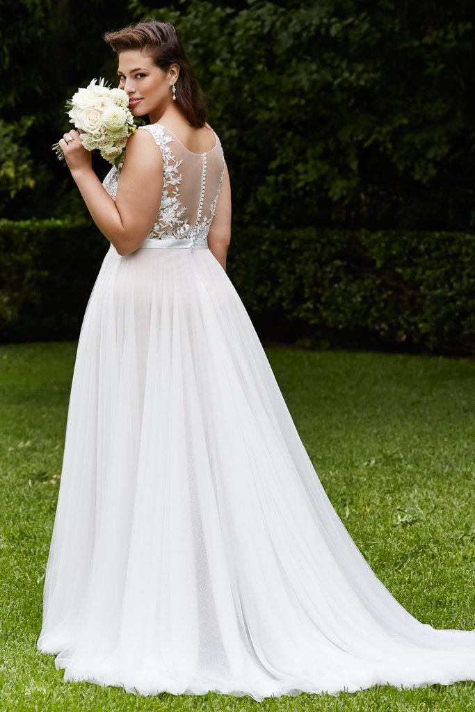 Tips for plus size wedding dress shopping plus size for Size 10 wedding dress