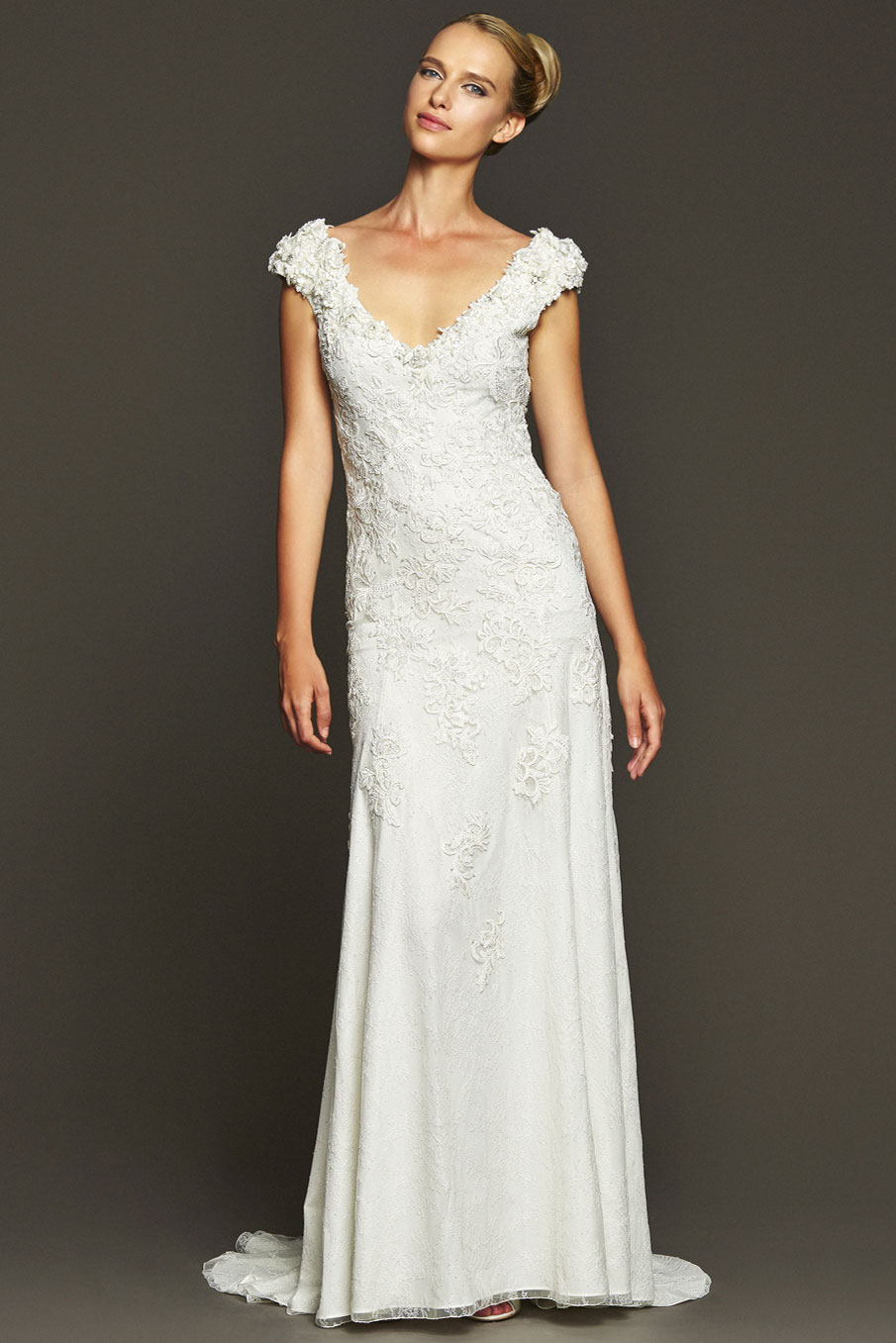The best contemporary wedding dresses for stylish women | Plus Size ...