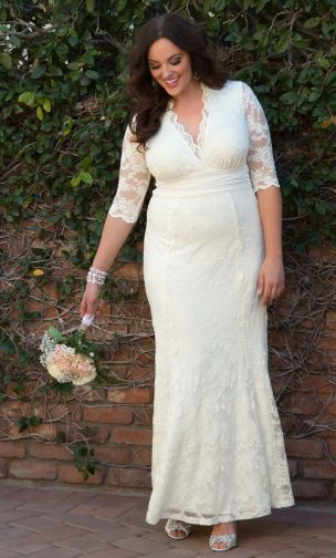 A Lace Long Sleeves Wedding Gown For Obese Brides
