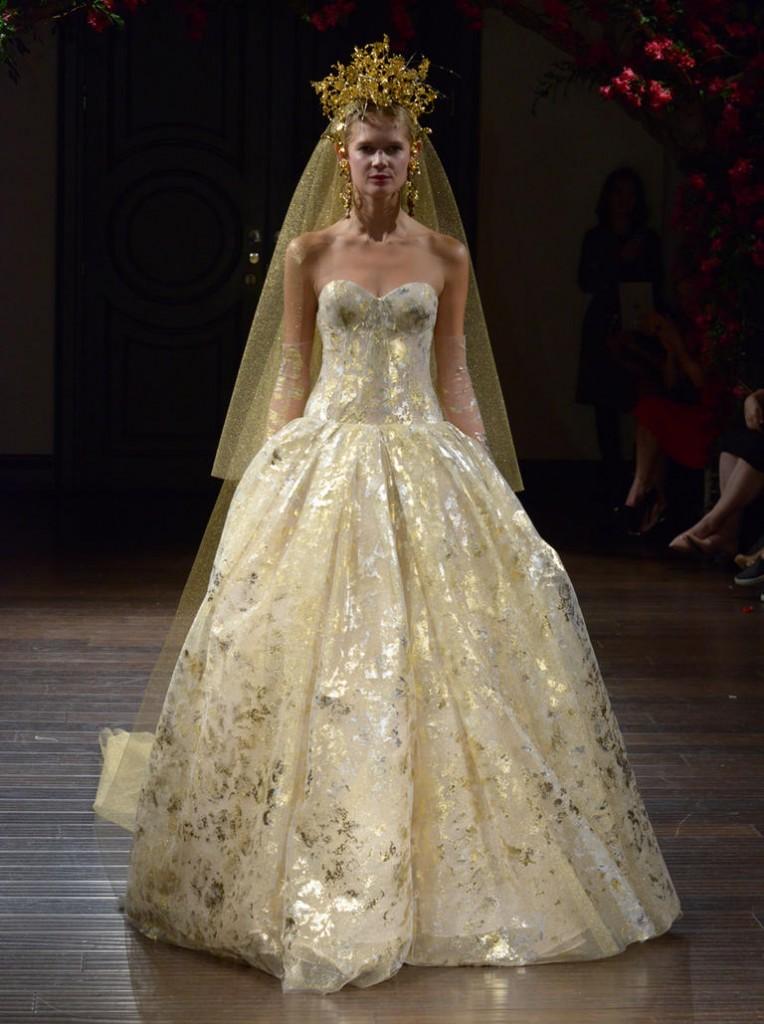 Top10 daring wedding dresses  06