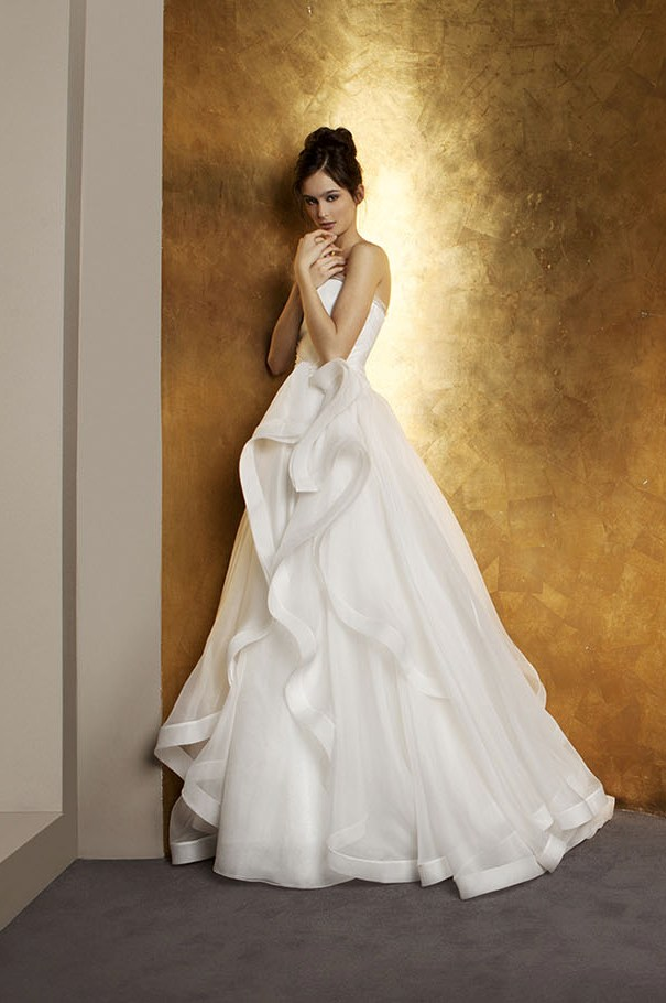 15 Antonio Riva White Wedding Dresses