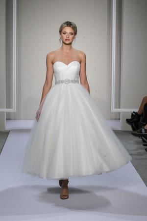 10 sexy dancing wedding dresses