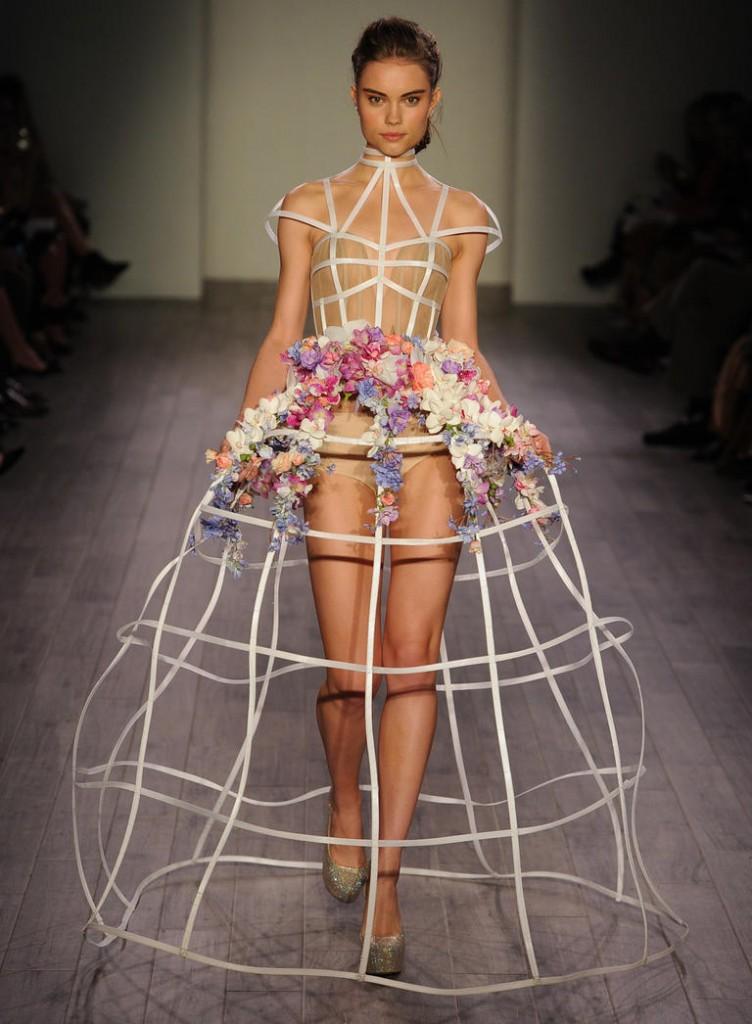 Top10 daring wedding dresses  09