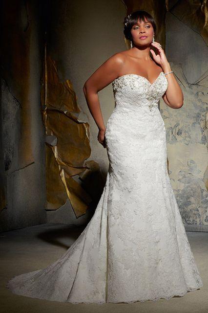 7 plus size wedding dresses bride must love 02