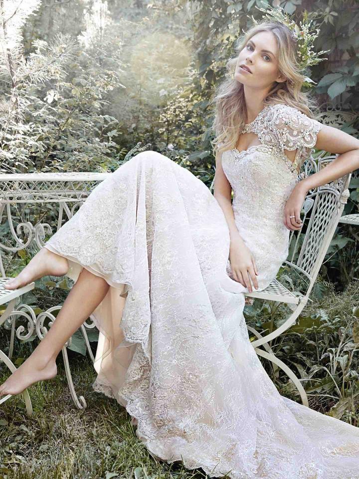 12 Chic and luxury wedding dresses 02