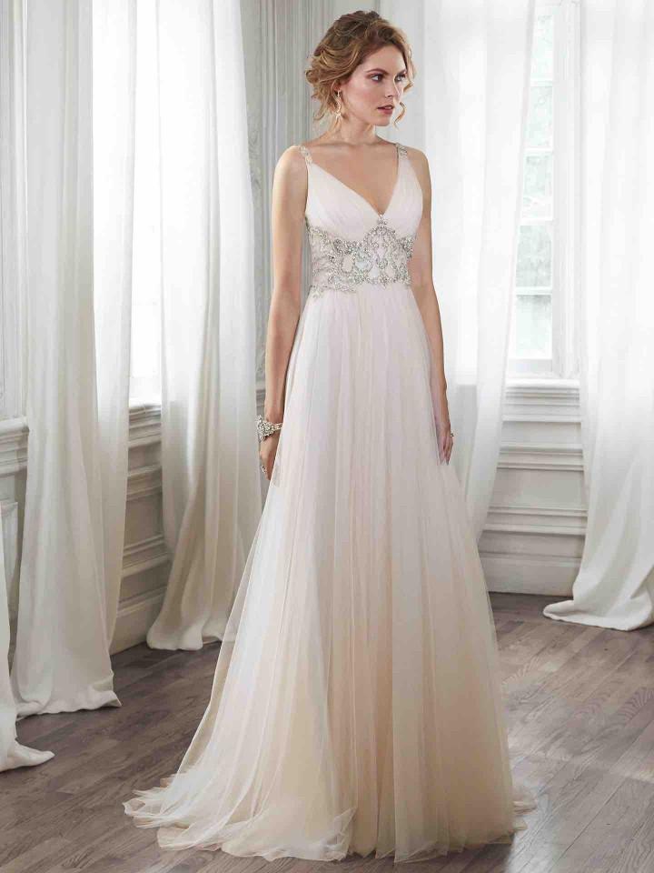 12 Chic and luxury wedding dresses 07