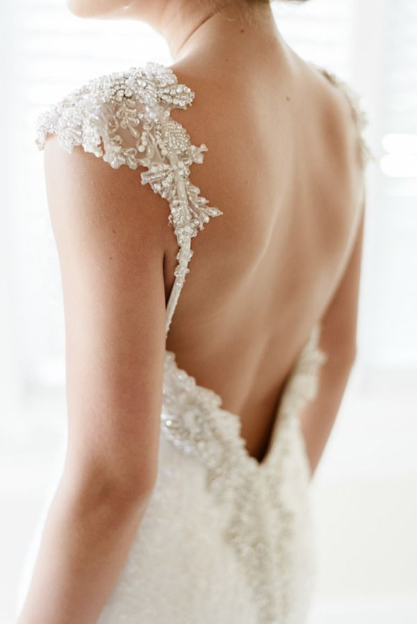 10 low back wedding dresses brides must love 06
