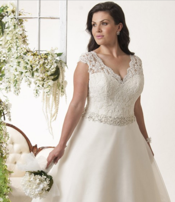 Wide shoulder straps plus size wedding dresses you will for Best wedding dress for wide shoulders