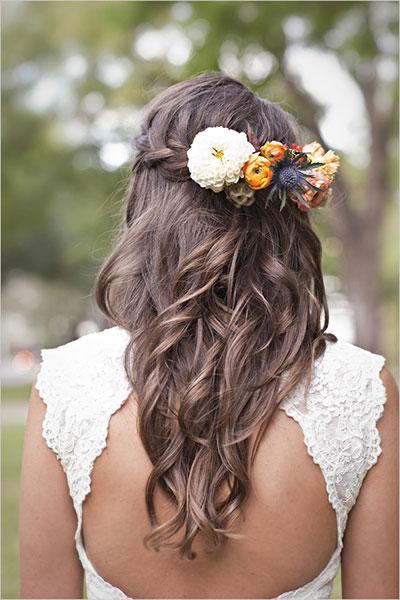 8 ways to wear a beautiful flowers on bride's head 04