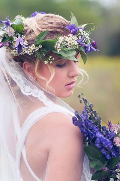8 ways to wear a beautiful flowers on bride's head