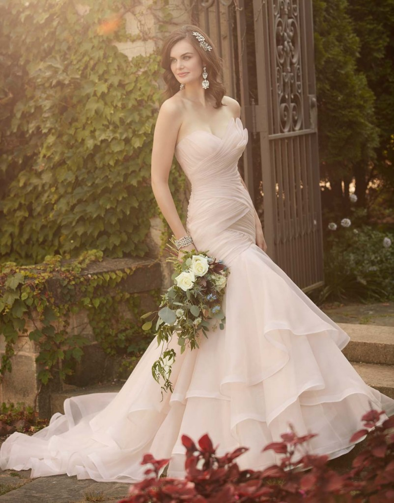 Top10 sexy tiered wedding dresses 03