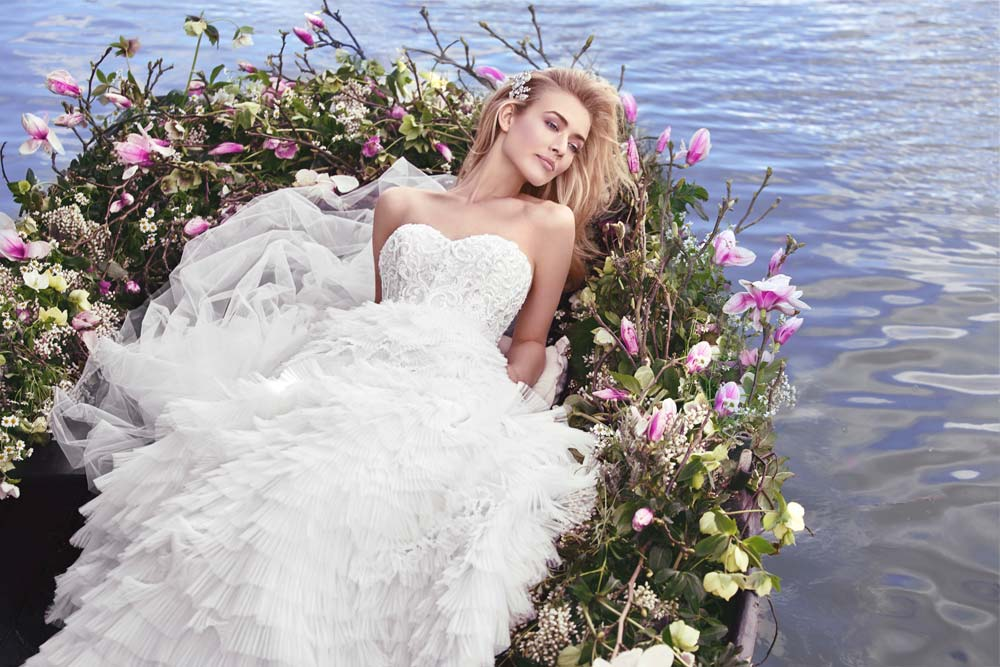Top10 sexy tiered wedding dresses 02