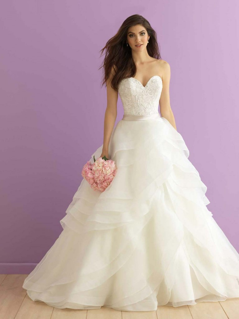 Top10 sexy tiered wedding dresses 07