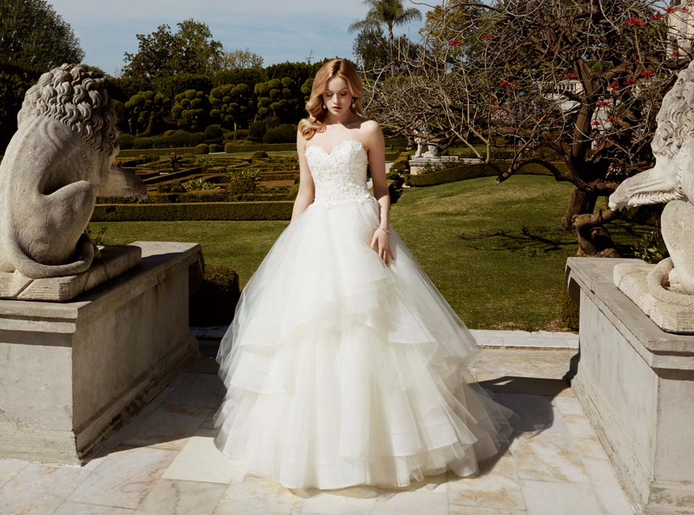 Top10 sexy tiered wedding dresses 05