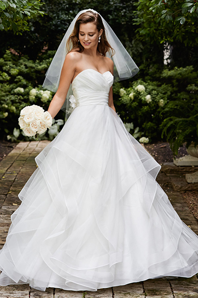 10 elegant plus size wedding dresses 03