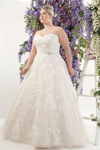 10 elegant plus size wedding dresses 09