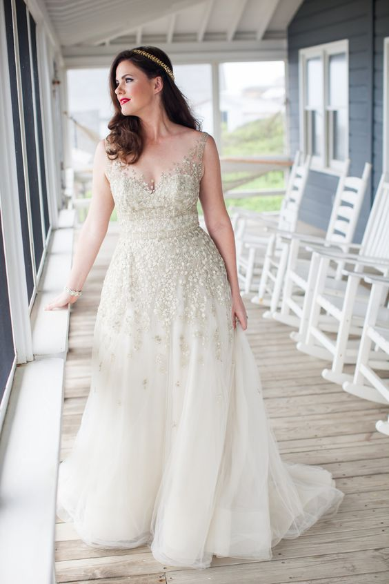 10 beautiful plus size wedding dresses 03