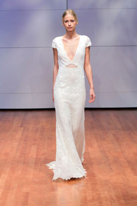 9 sexy wedding dresses for this fall season 06