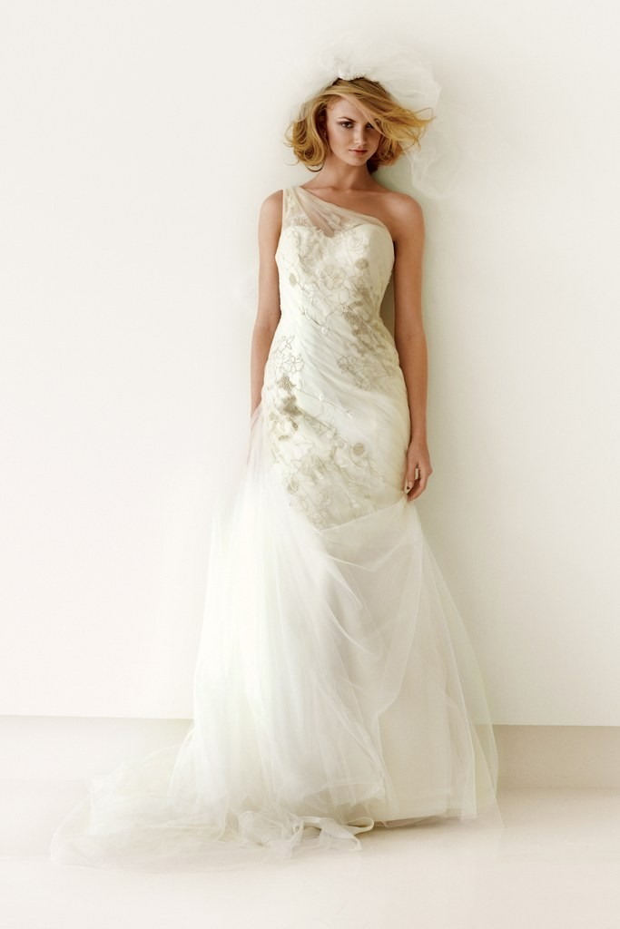 11 budget wedding dresses under $1,000 05