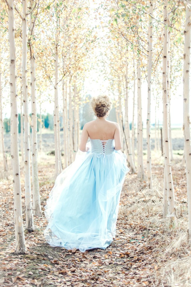 10 elegant blue wedding dresses 09