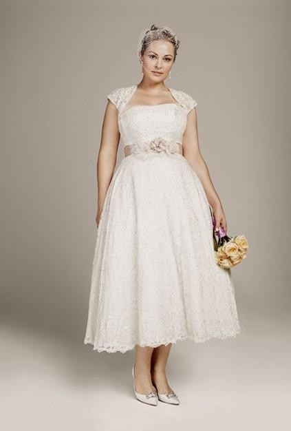 10 short wedding dresses for curve brides plus size for Best wedding dress styles for plus size brides