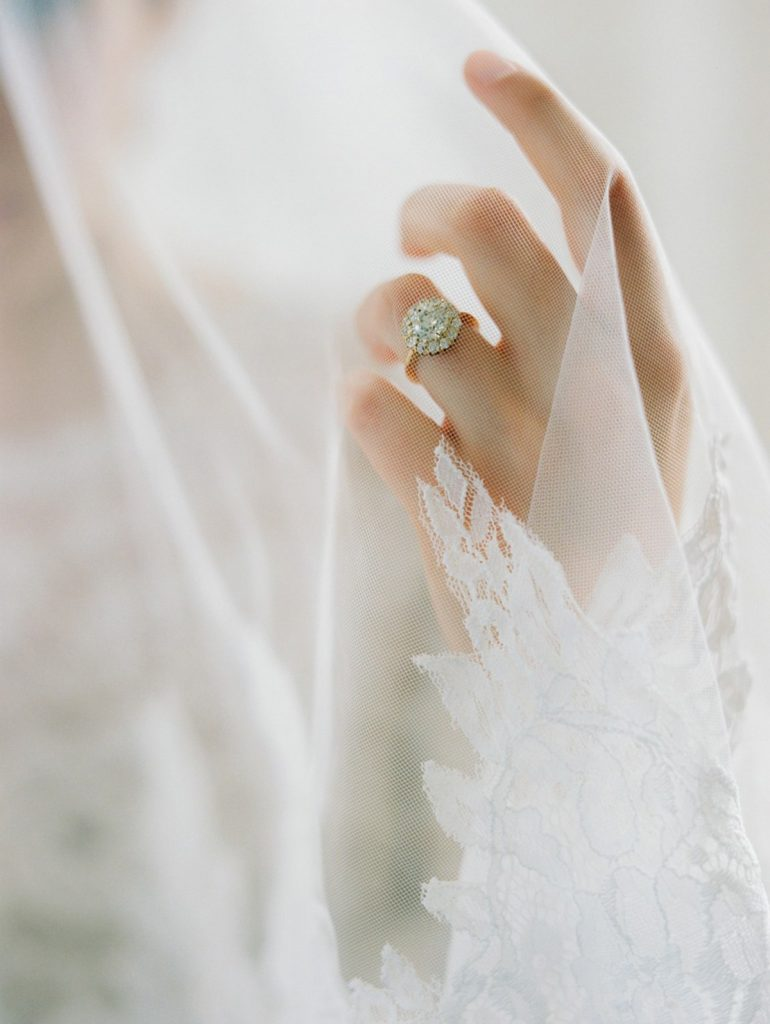 BEAUTIFUL HANDMADE BRIDAL ADORNMENTS FROM LA BELLE
