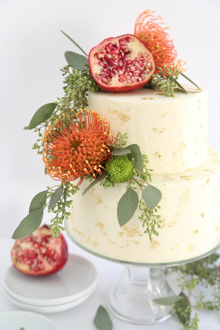 Three Easy and Trendy Ways to DIY a Wedding Cake
