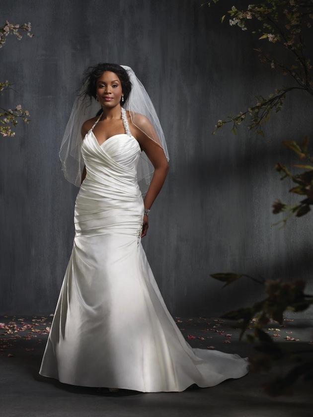 Plus size wedding dresses for curvy girls 07
