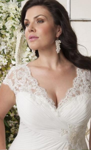 Vancouver lace plus size wedding dresses 02