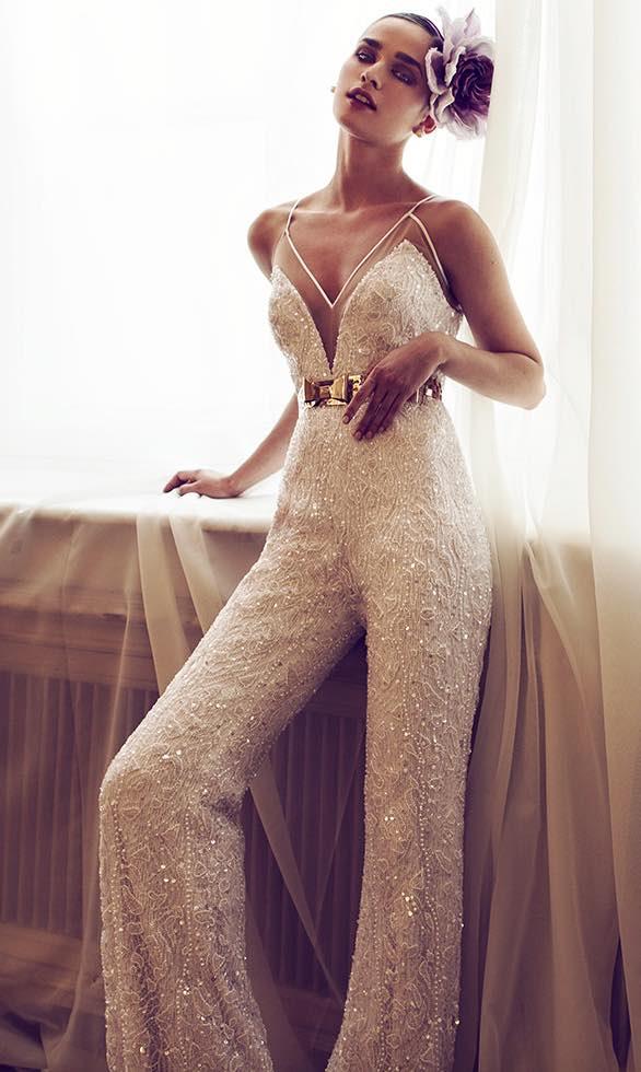10 striking romantic wedding dresses 05