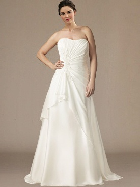 10 stunning plus size wedding dresses 06