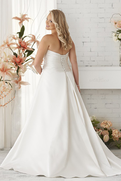 10 elegant plus size wedding dresses 08