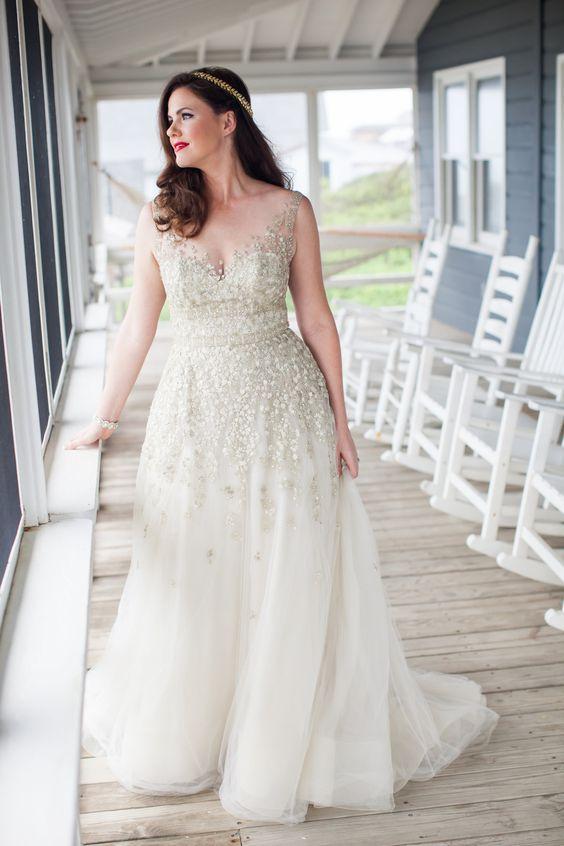 10 beautiful plus size wedding dresses 03
