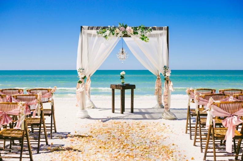 5 funny wedding themes 04