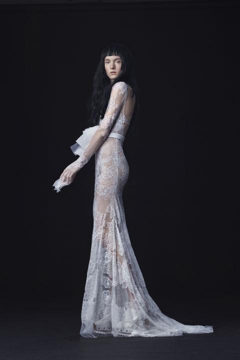 9 sexy wedding dresses for this fall season 08