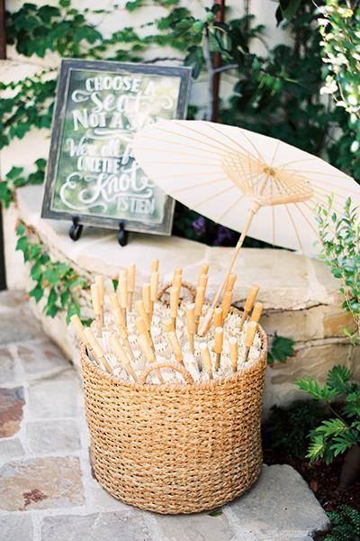 Romantic backyard wedding ideas  04
