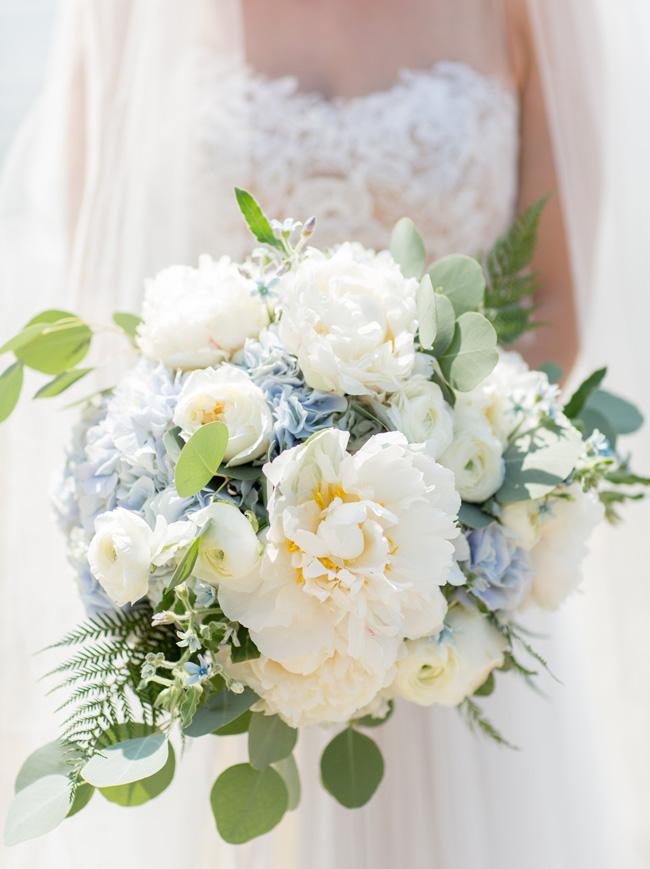 Elegant blue wedding bouquets