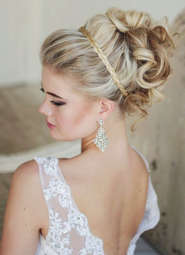 Beautiful hairstyle for elegant bride 02