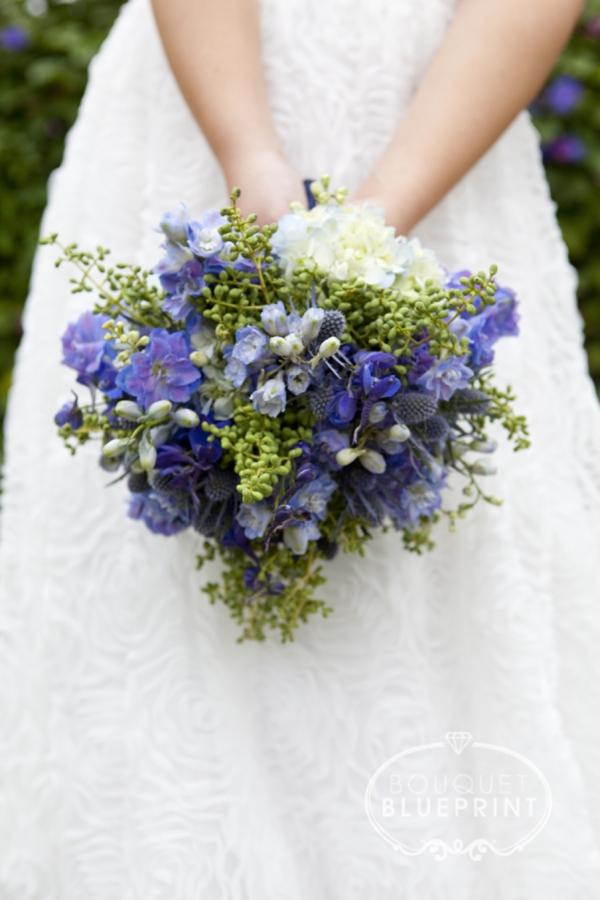 Elegant blue wedding bouquets 09