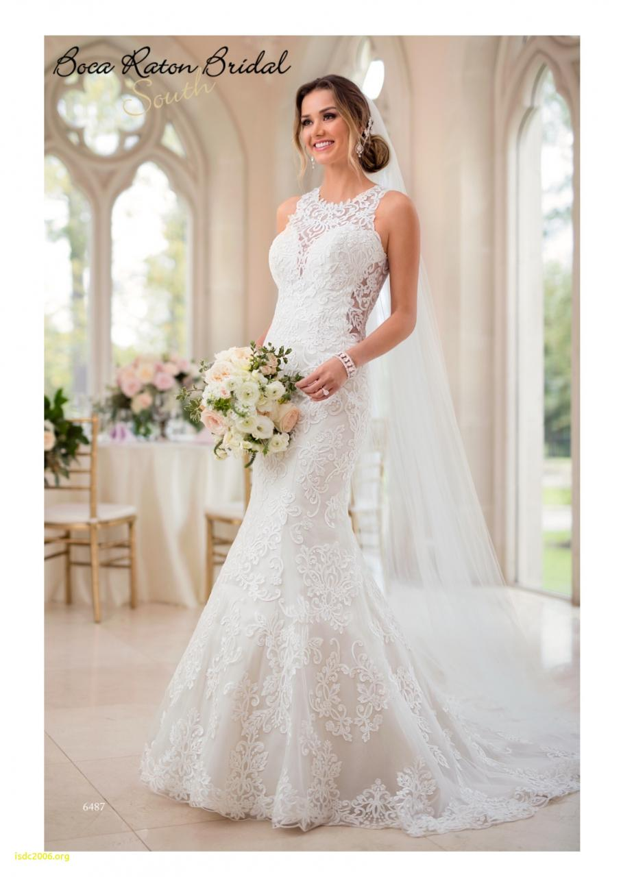 6487 A style both modern and feminine this lace wedding dress from Stella York brings all your romantic wedding day dreams to life